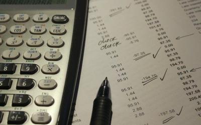 Les mesures du HSCF sont-elles assouplies pour le regroupement de crédits ?